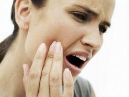 mal di testa portato dai denti